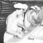Bäcker Bachmeier Bäcker bei der Arbeit (schwarz-weiß)